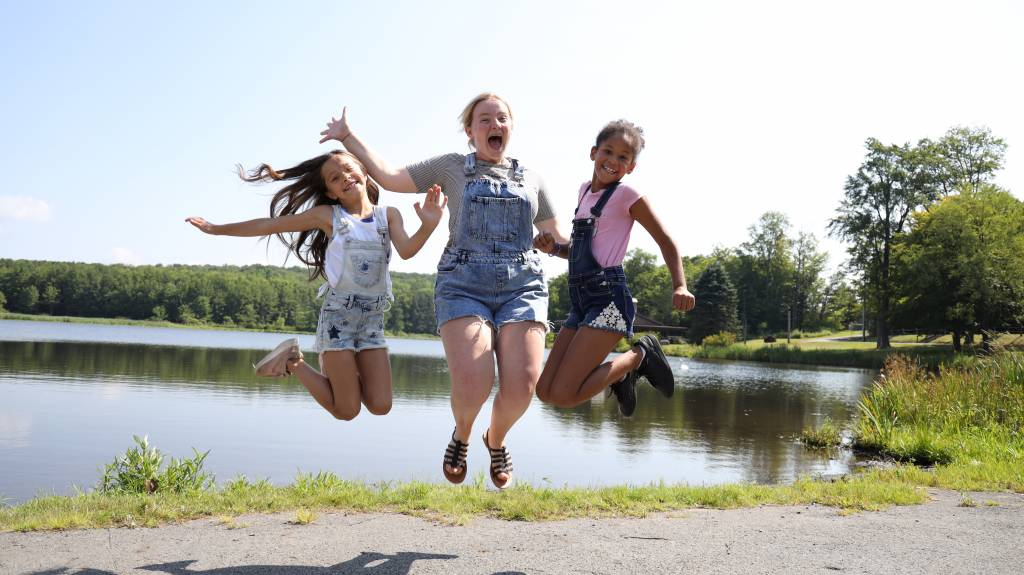 3 Girls jumping